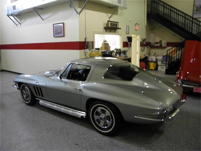 1966 Chevrolet Corvette | 697855