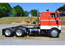 Picture of 1977 Peterbilt Pacemaker located in North Carolina - $11,900.00 Offered by Paramount Classic Car Store - EZJZ