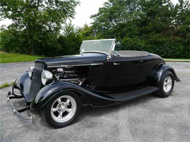 1934 Ford Roadster | 701280