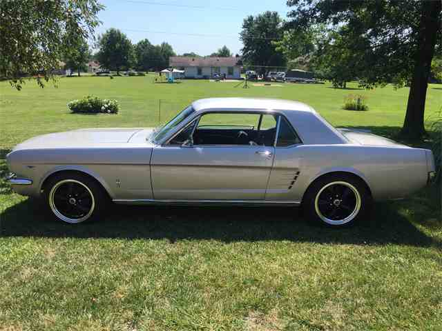 1966 Ford Mustang | 702268