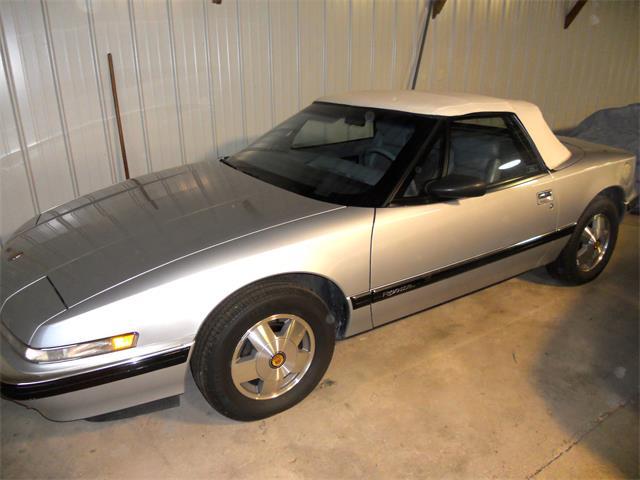1990 Buick Reatta | 703307
