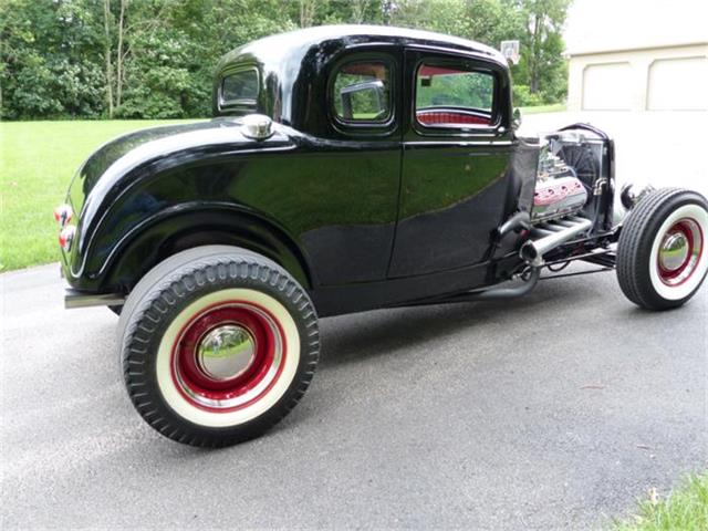 1932 Ford 5-Window Coupe | 705197