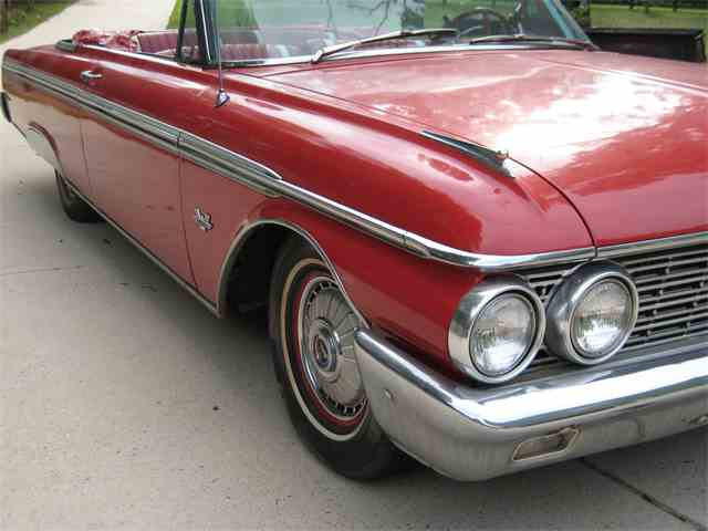 1962 Ford Sunliner | 705267