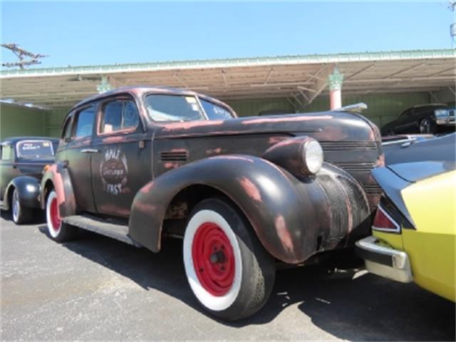 1939 Pontiac Silver Streak | 700933