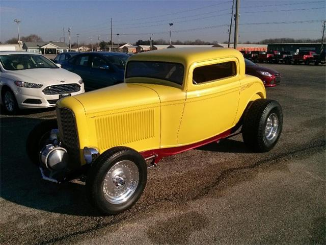1932 Ford 3-Window Coupe   711448