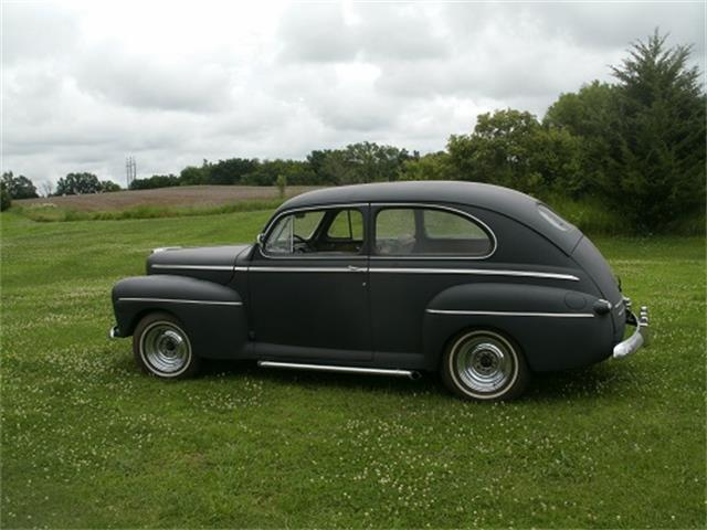 1946 Ford Deluxe | 712470