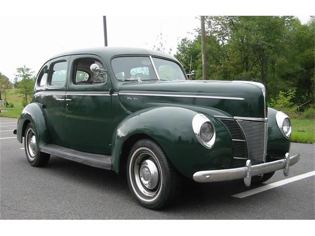 1940 Ford Deluxe | 715261