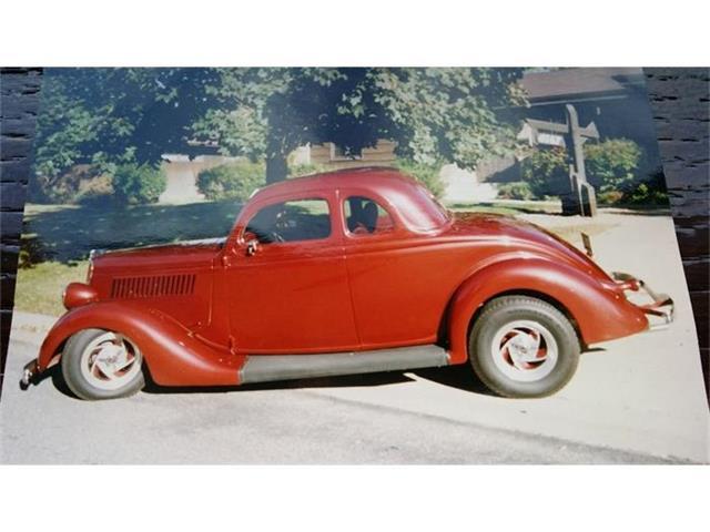 1935 Ford Custom | 716298