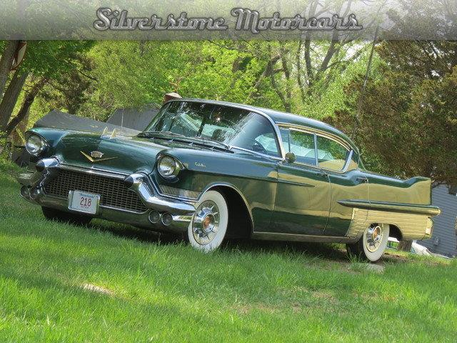 1957 Cadillac Fleetwood | 710800
