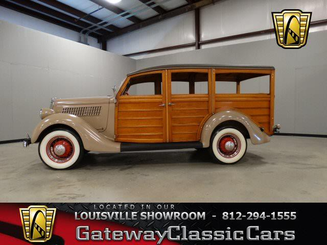 1935 Ford Woody Wagon | 724333