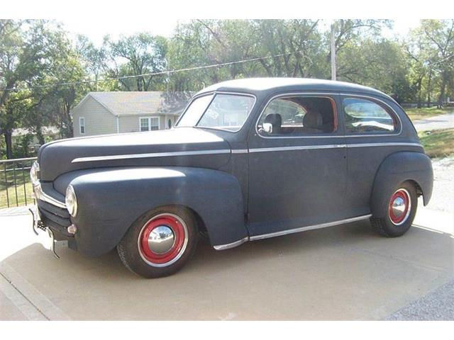 1946 Ford Super Deluxe   727650