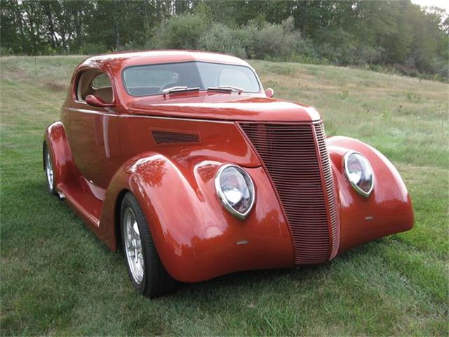 1937 Ford 3-Window Coupe | 728055