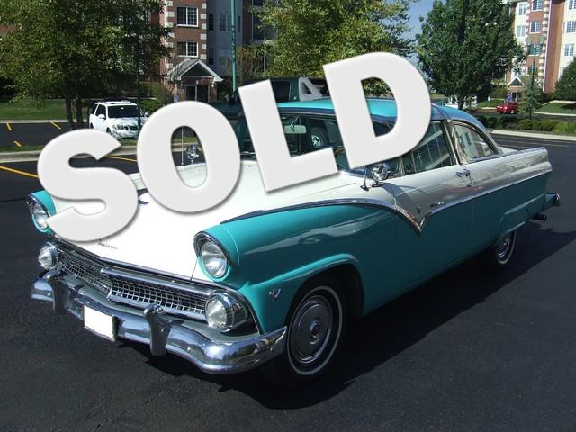 1955 Ford Crown Victoria | 728189