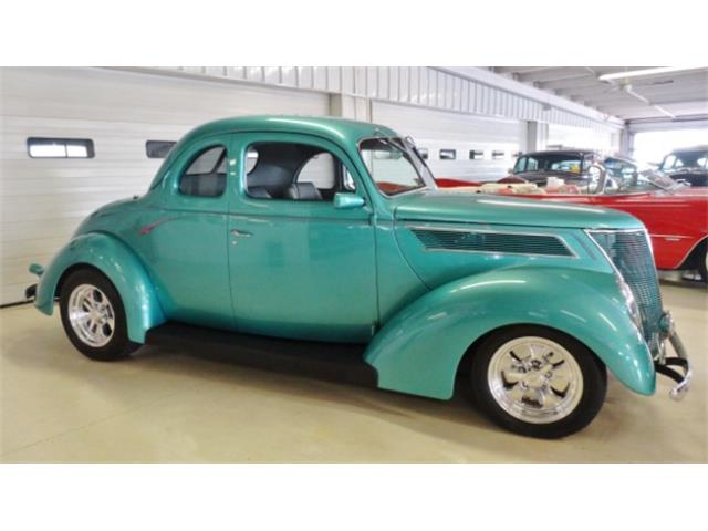 1937 Ford Coupe | 728196