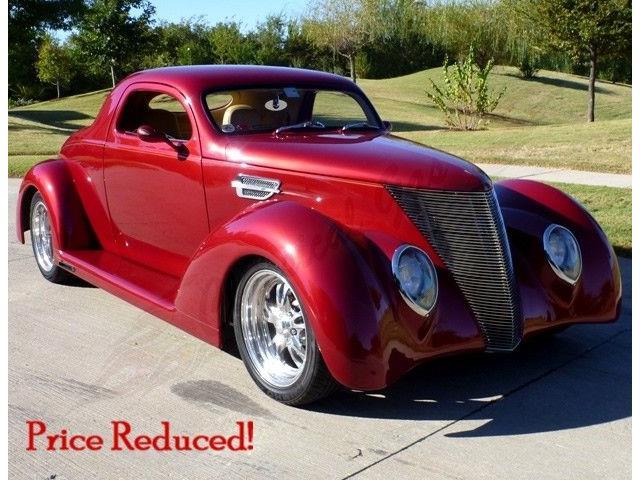 1937 Ford Custom | 731489