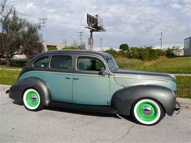 1939 Ford Deluxe | 731767