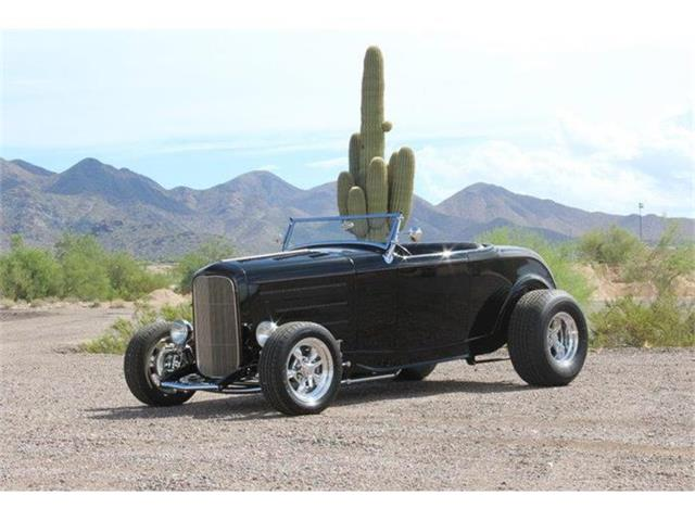 1932 Ford Roadster   733024