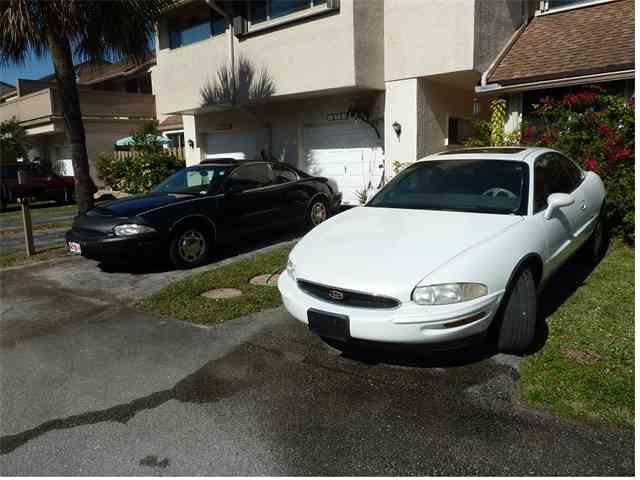1999 Buick Riviera | 733905