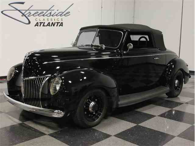 1939 Ford Deluxe | 735811