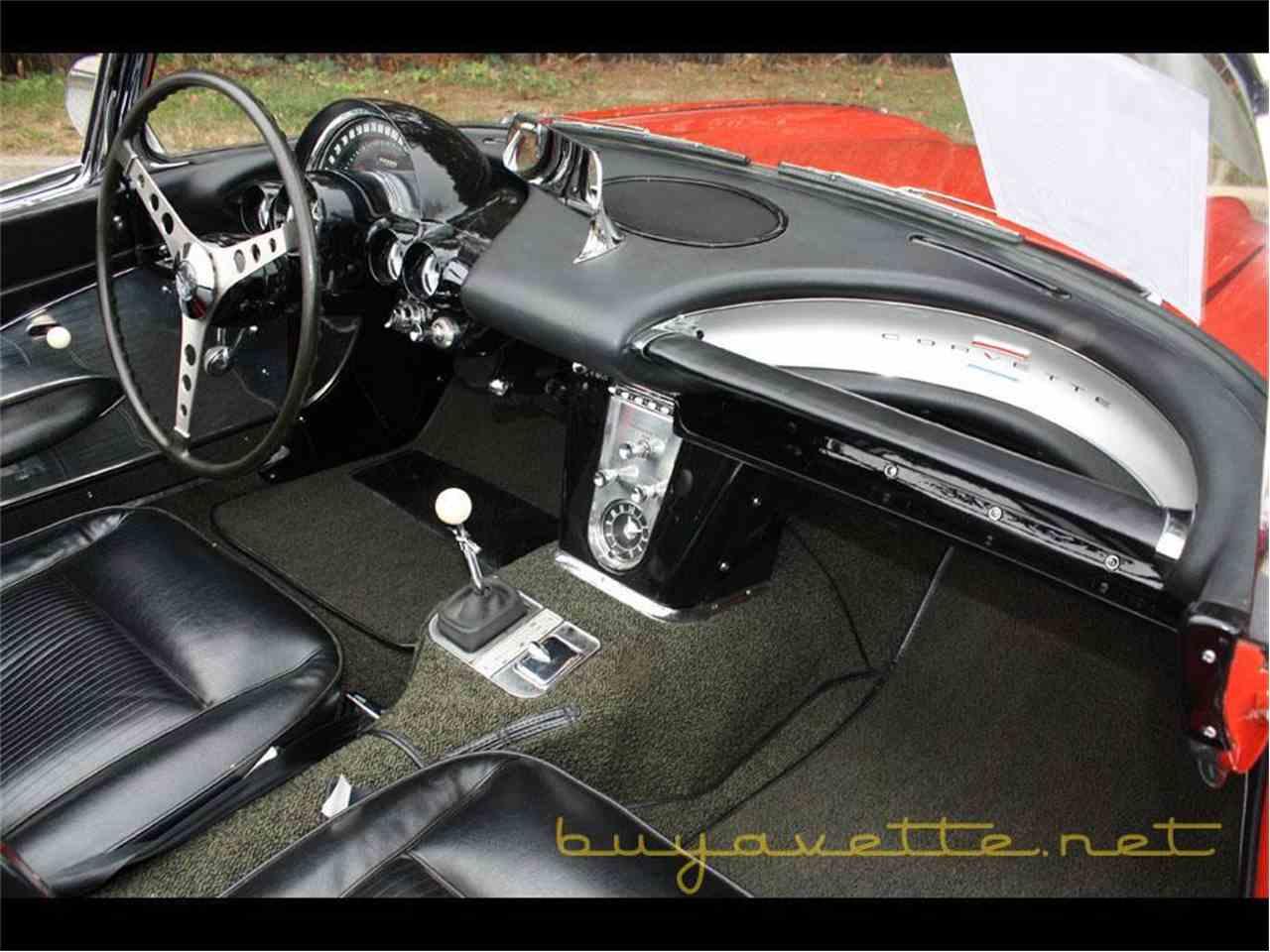 Large Picture of '61 Corvette - FSDF