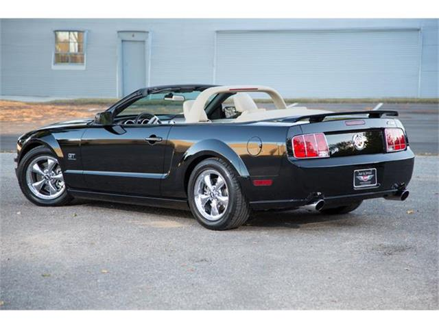 2005 Ford Mustang GT | 737282