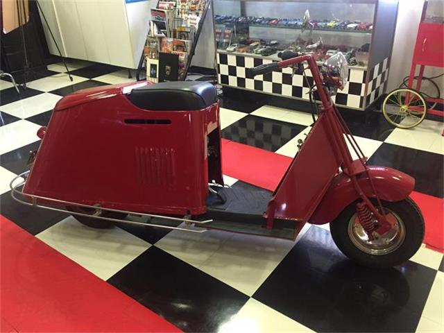 1947 Cushman Scooter | 737546