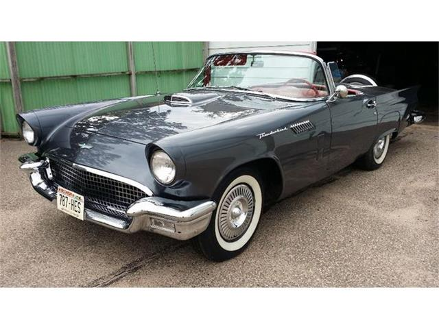 1957 Ford Thunderbird   739251