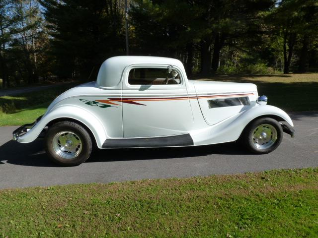 1934 Ford 3-Window Coupe | 739940