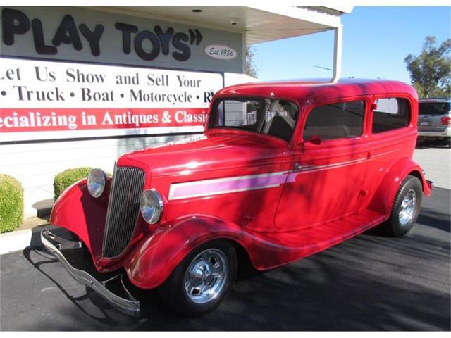 1934 Ford Sedan | 740023