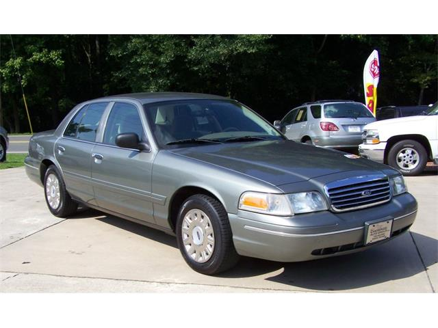 2004 Ford Crown Victoria P71 | 743409