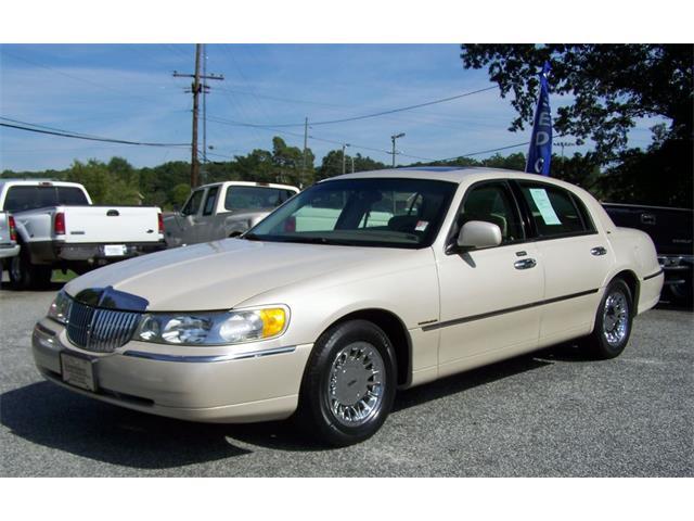 2002 Lincoln Town CAR Cartier 4d | 743440
