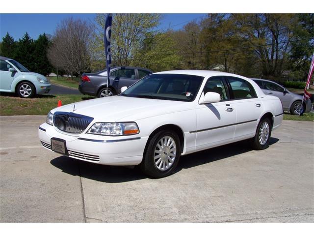 2004 Lincoln Town Car | 743442