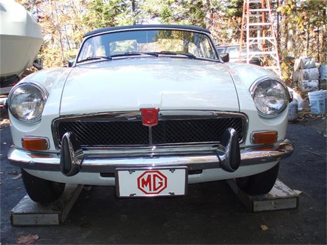 1974 MG MGB | 743690