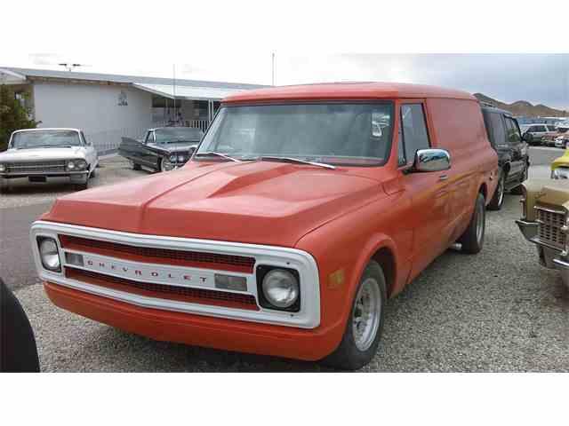 1969 Chevrolet Panel Wagon | 744543