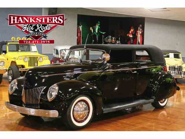 1939 Ford Convertible   746089