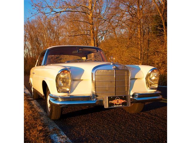 1965 Mercedes-Benz 220SE | 747932