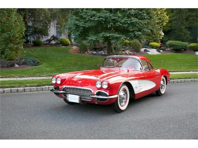 1961 Chevrolet Corvette | 748082