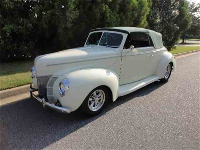 1940 Ford Cabriolet | 753883