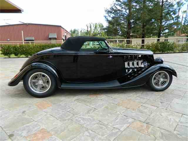 1933 Ford Roadster | 753924