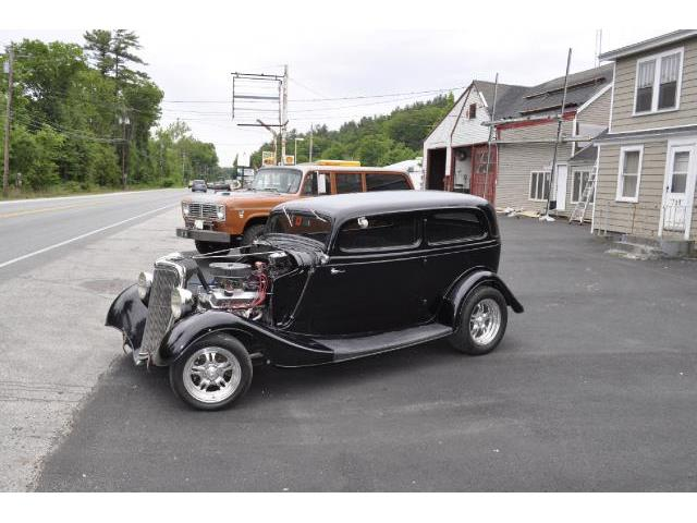 1934 Ford Tudor | 756050