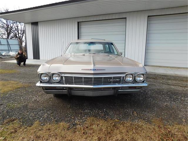 1965 Chevrolet Impala Wagon | 758131