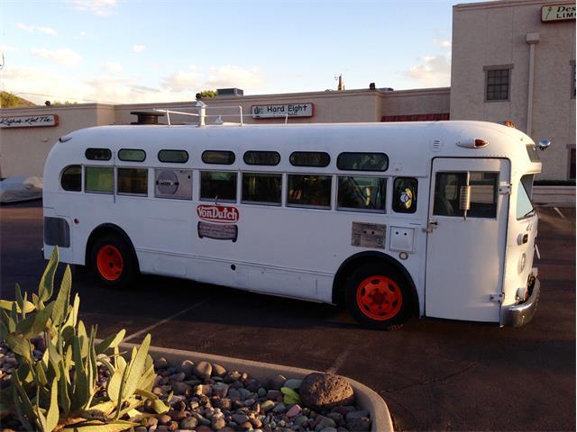 1950 Von Dutch Bus   758134