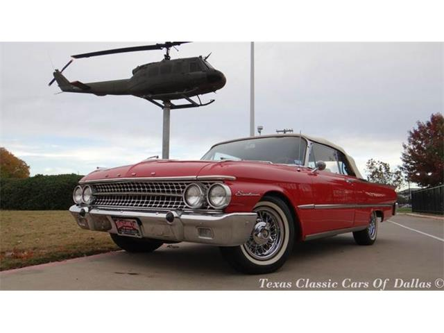1961 Ford Sunliner | 750907