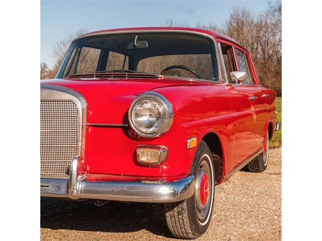 1968 Mercedes-Benz 200D | 759934