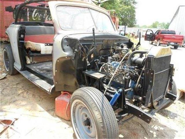 1947 Ford Deluxe   761502