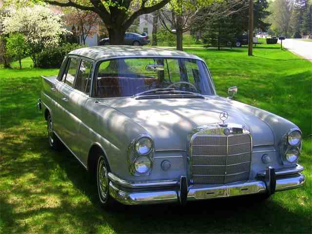 1963 Mercedes-Benz 220 | 763334