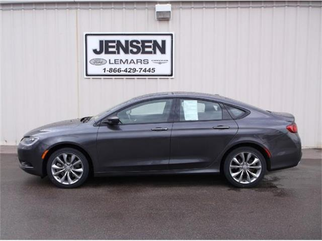 2015 Chrysler 200 | 765344