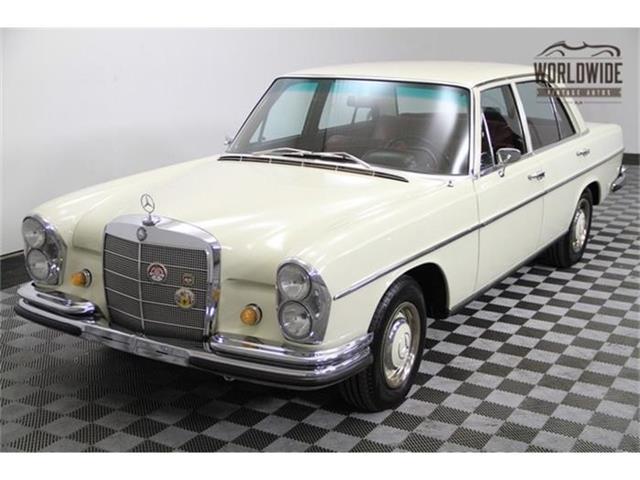 1967 Mercedes-Benz 250SE   760546