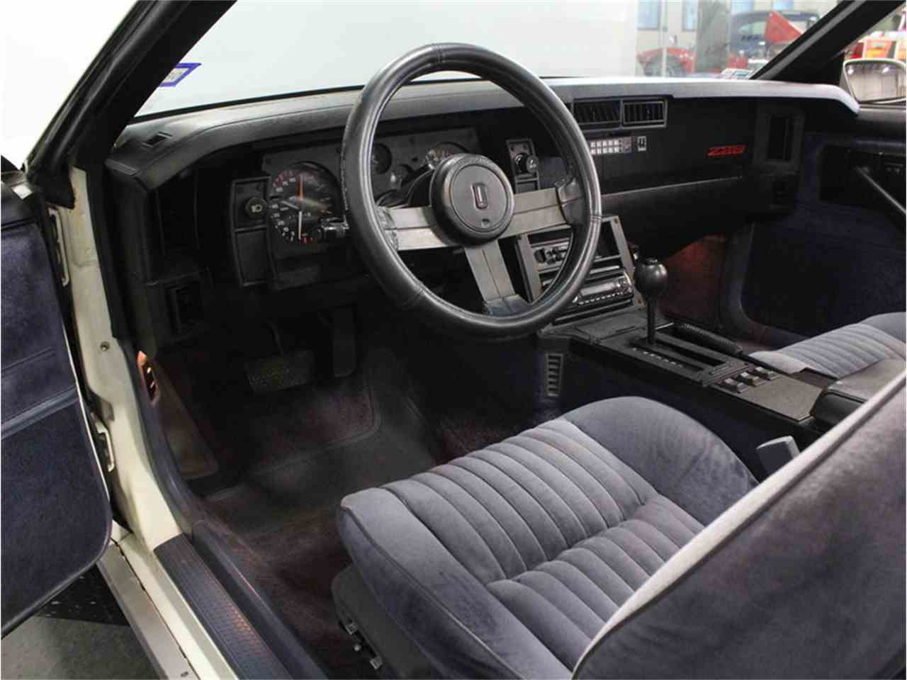 Large Picture of '83 Camaro Z28 - GGRD