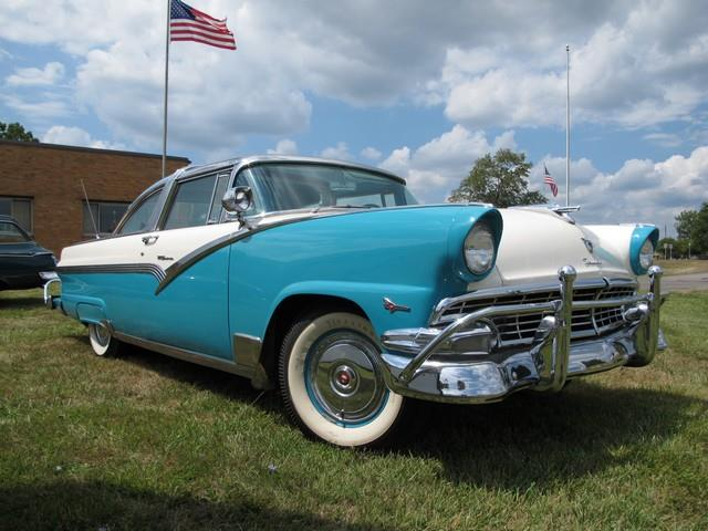 1956 Ford Crown Victoria | 768377